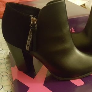 black booties sz 11